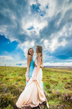 Sisterly Love | Family Photography